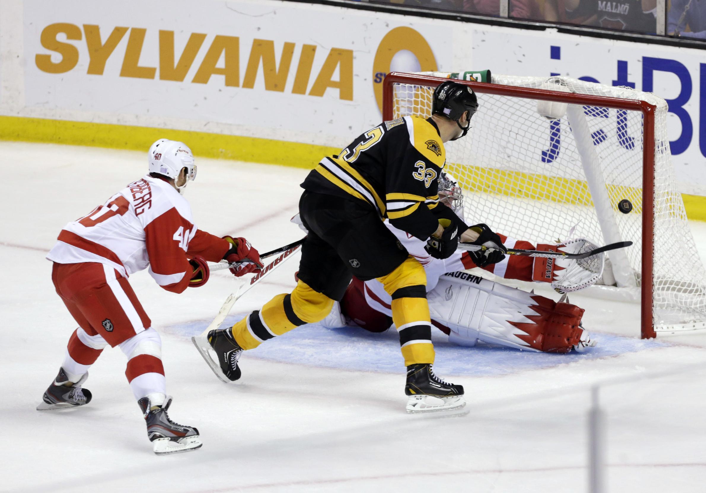 Rask stops 25 shots; Bruins beat Red Wings 4-1