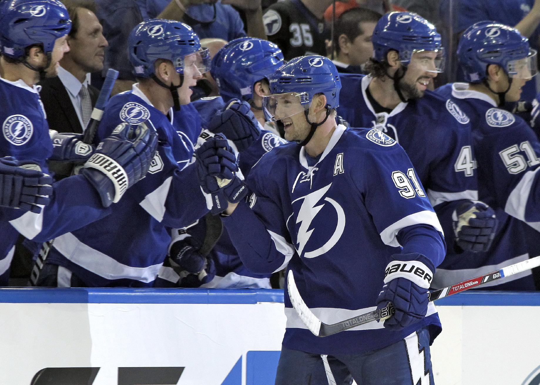 Stamkos has hat trick, Lightning beat Panthers