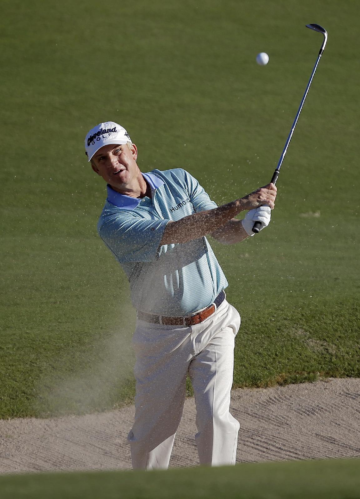 Webb Simpson opens 4-shot lead in Las Vegas