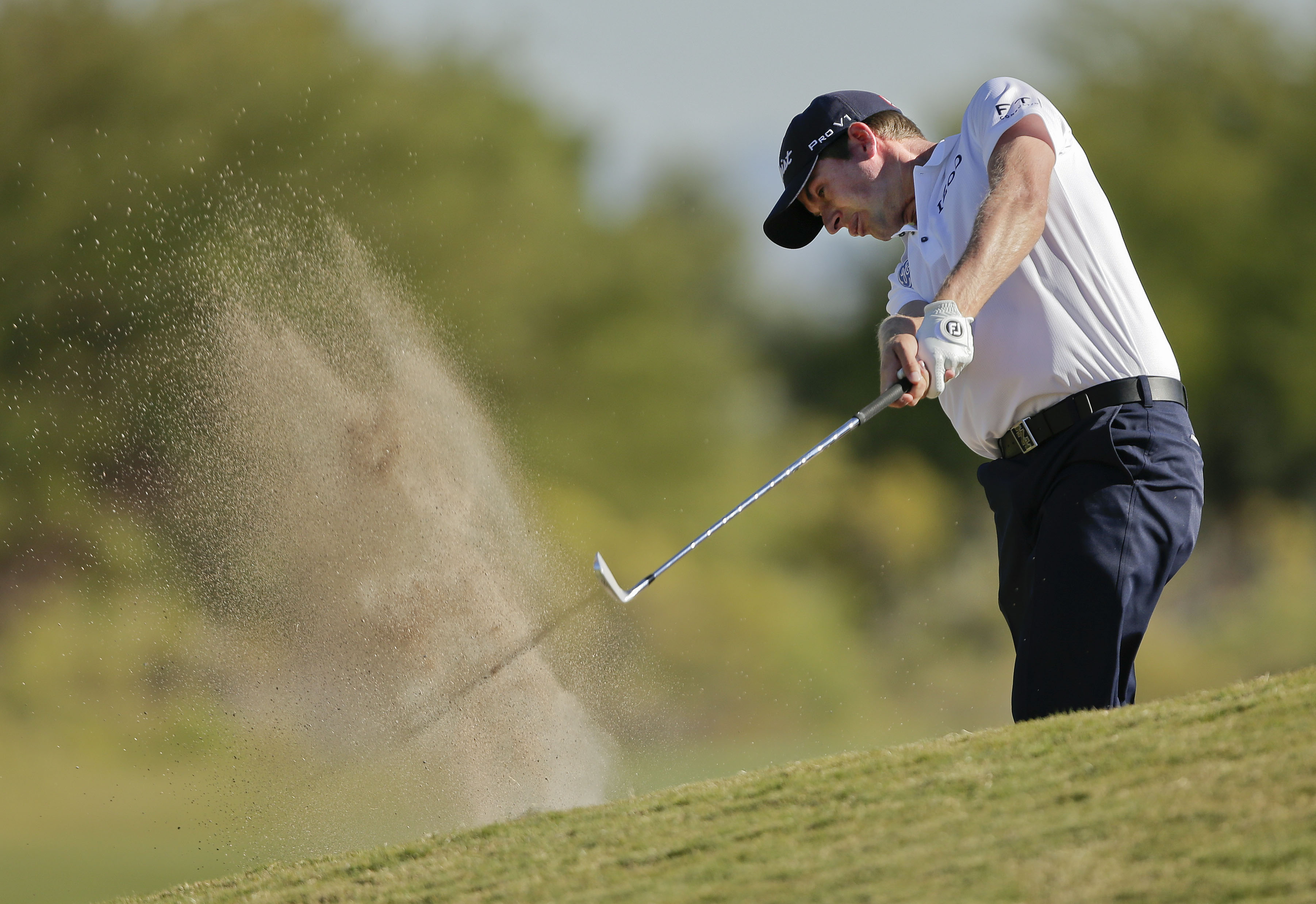 Webb Simpson maintains 4-shot lead in Las Vegas