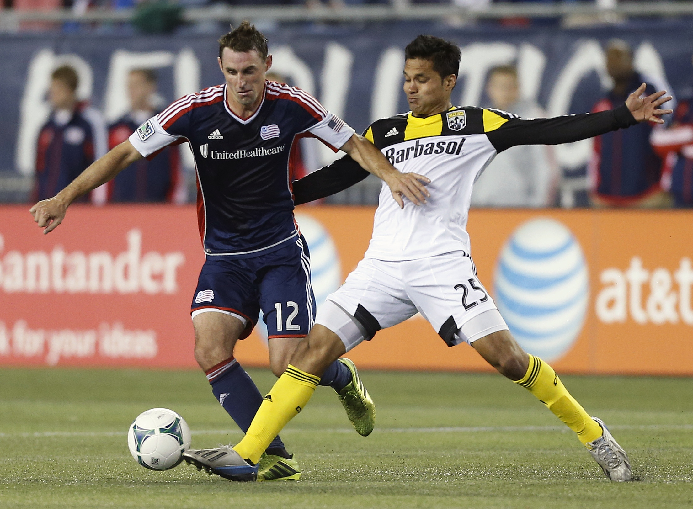 Fagundez lifts Revolution to 3-2 win over Crew