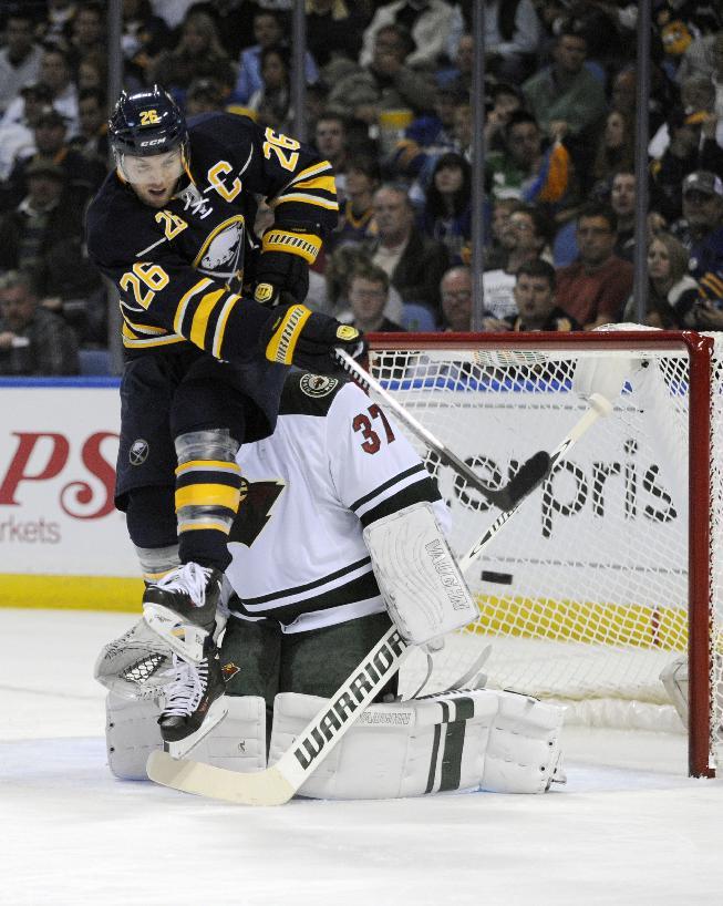 Islanders acquire Vanek from Sabres