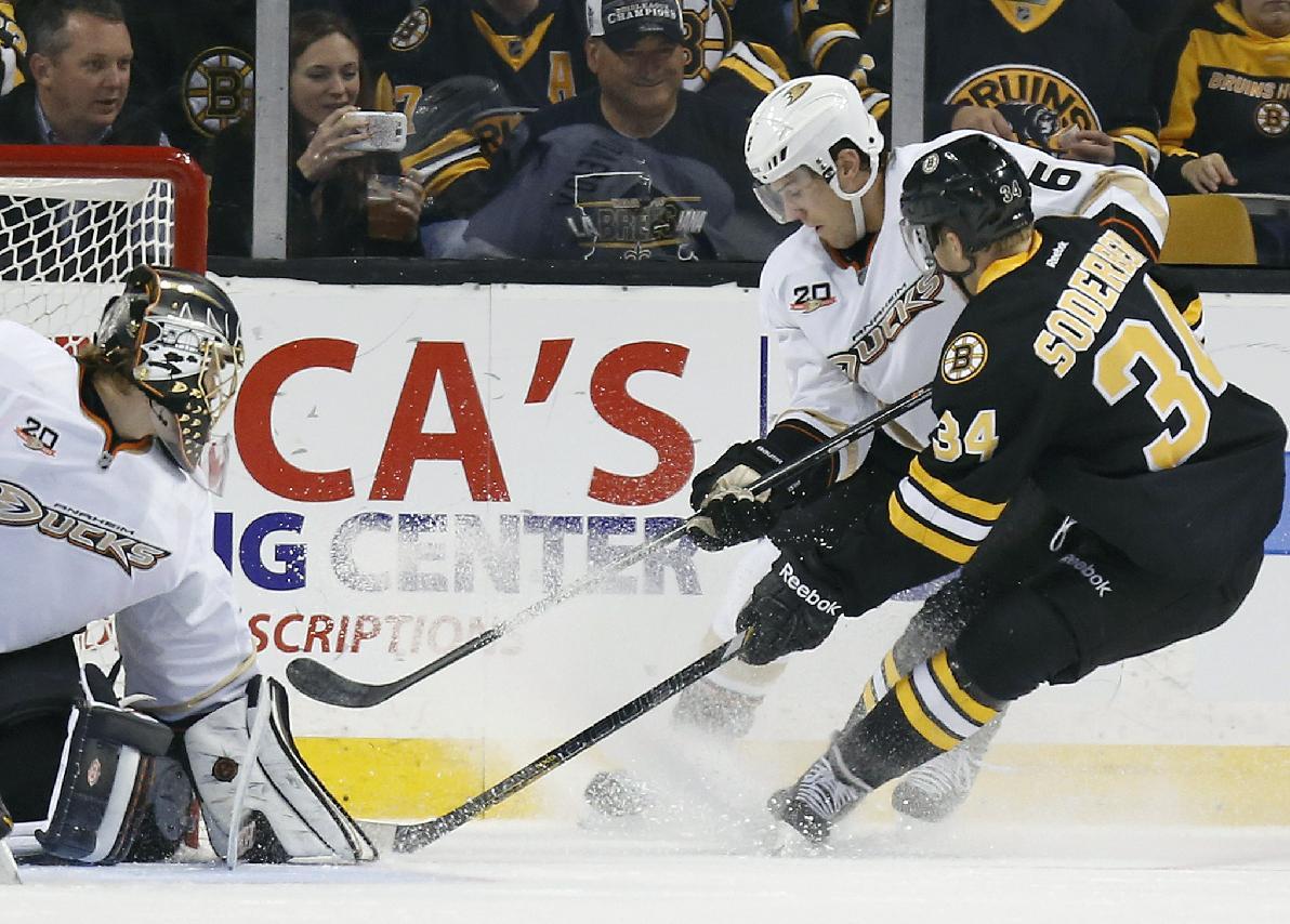 Chara, Iginla rally Bruins past Ducks 3-2 in SO