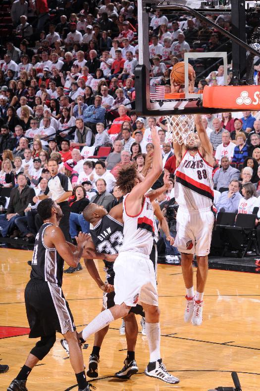 Blazers beat Spurs 115-105