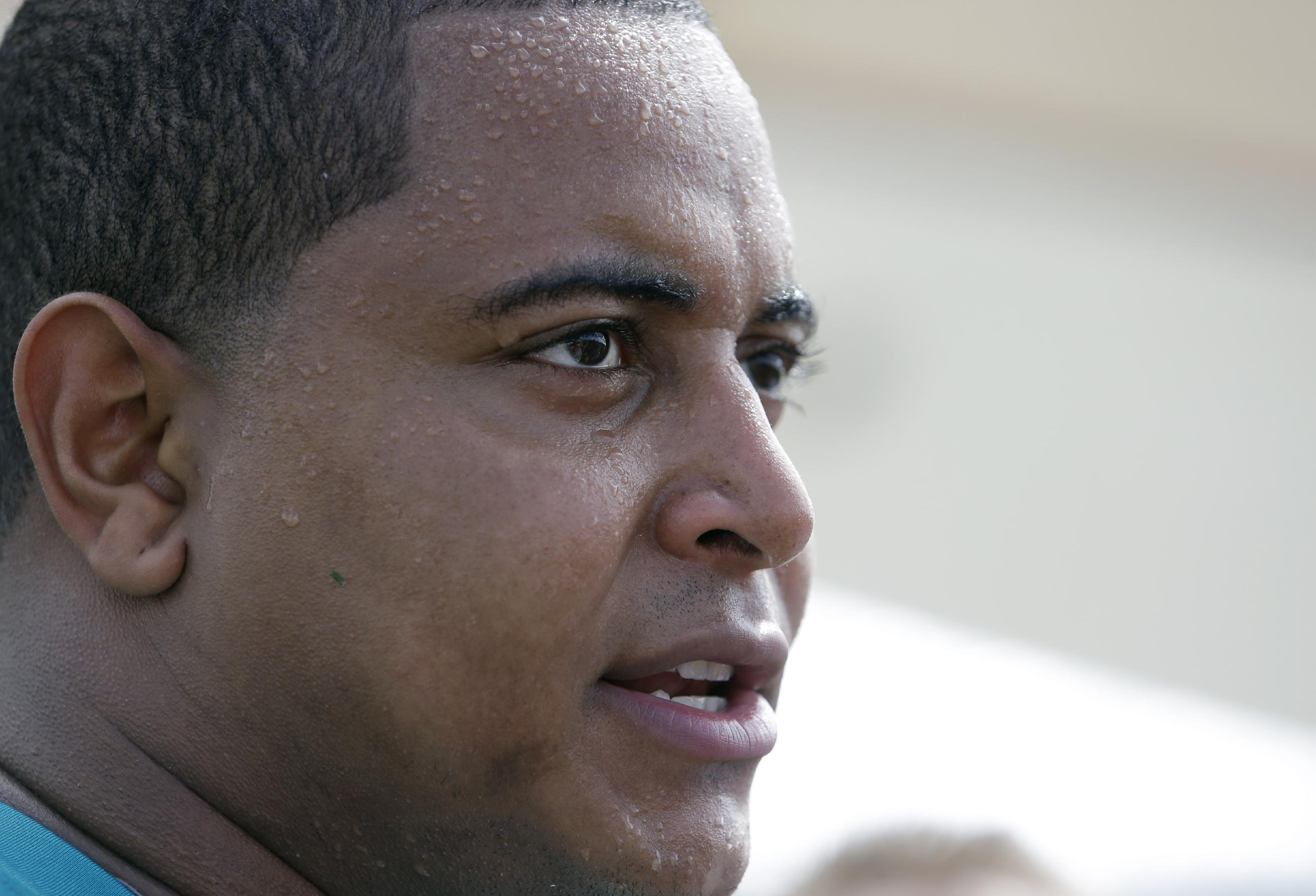 AP source: Martin to meet with NFL investigator