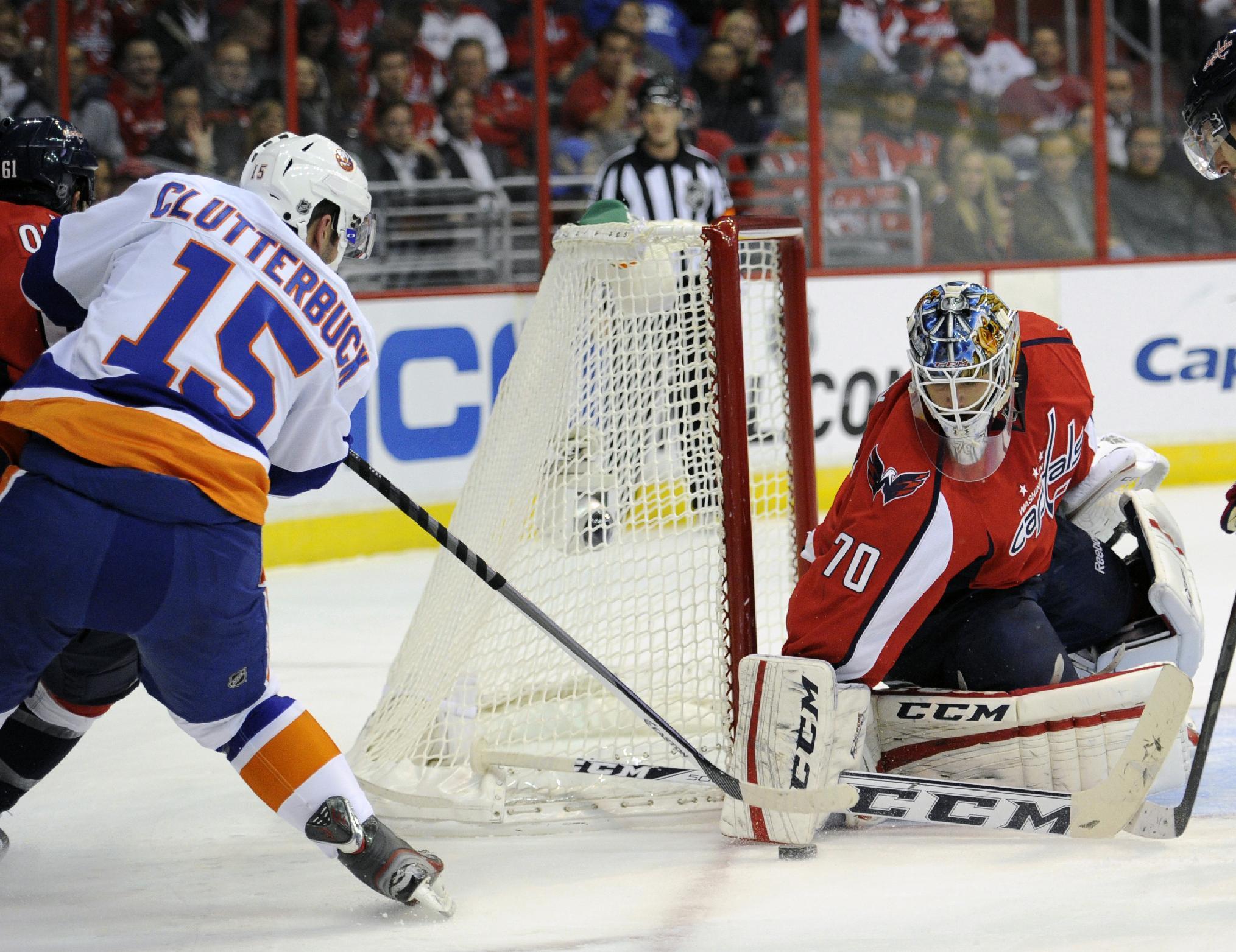 Ovechkin scores 2; Capitals top Islanders 6-2