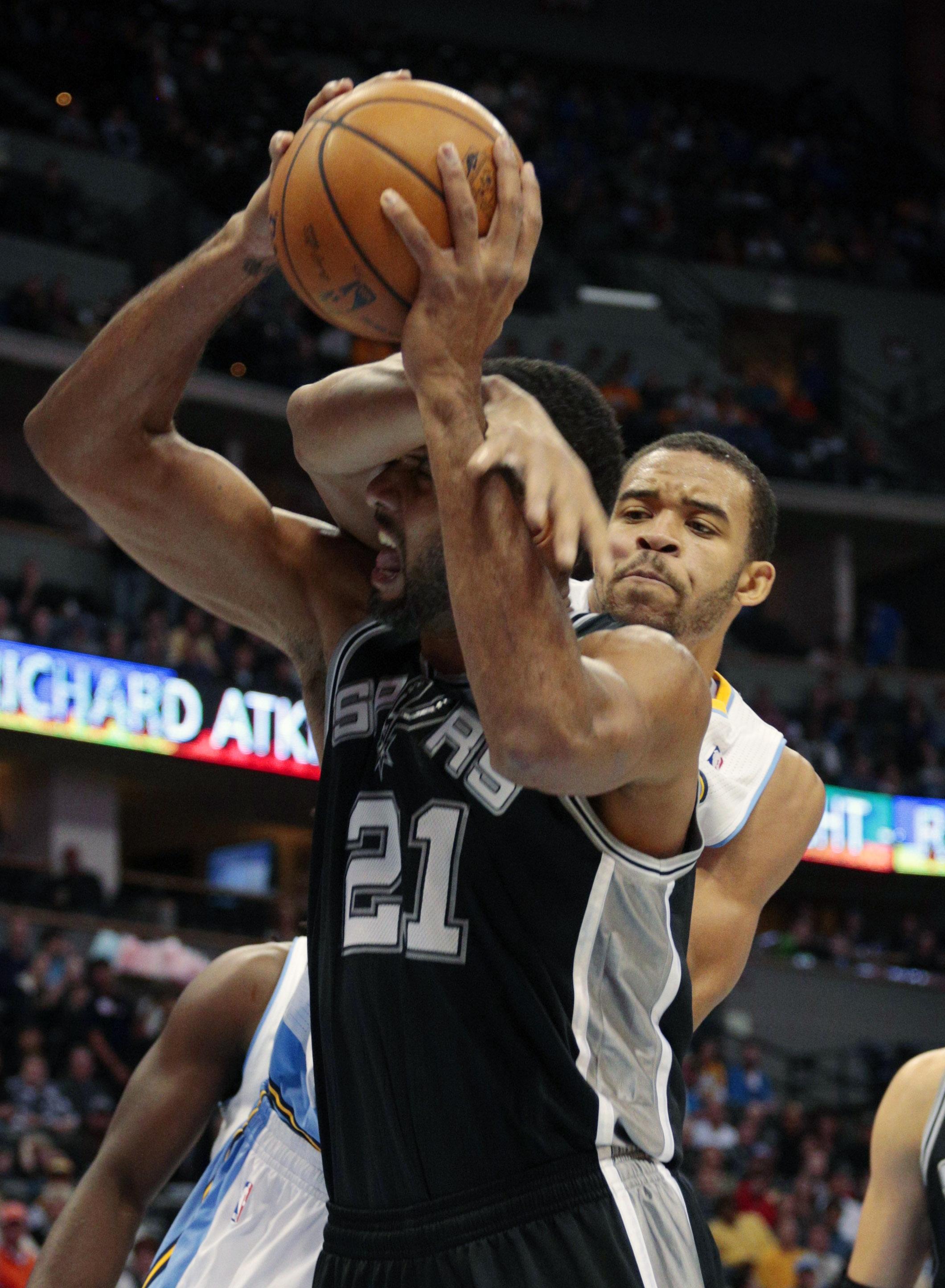 Parker leads Spurs past Nuggets, 102-94