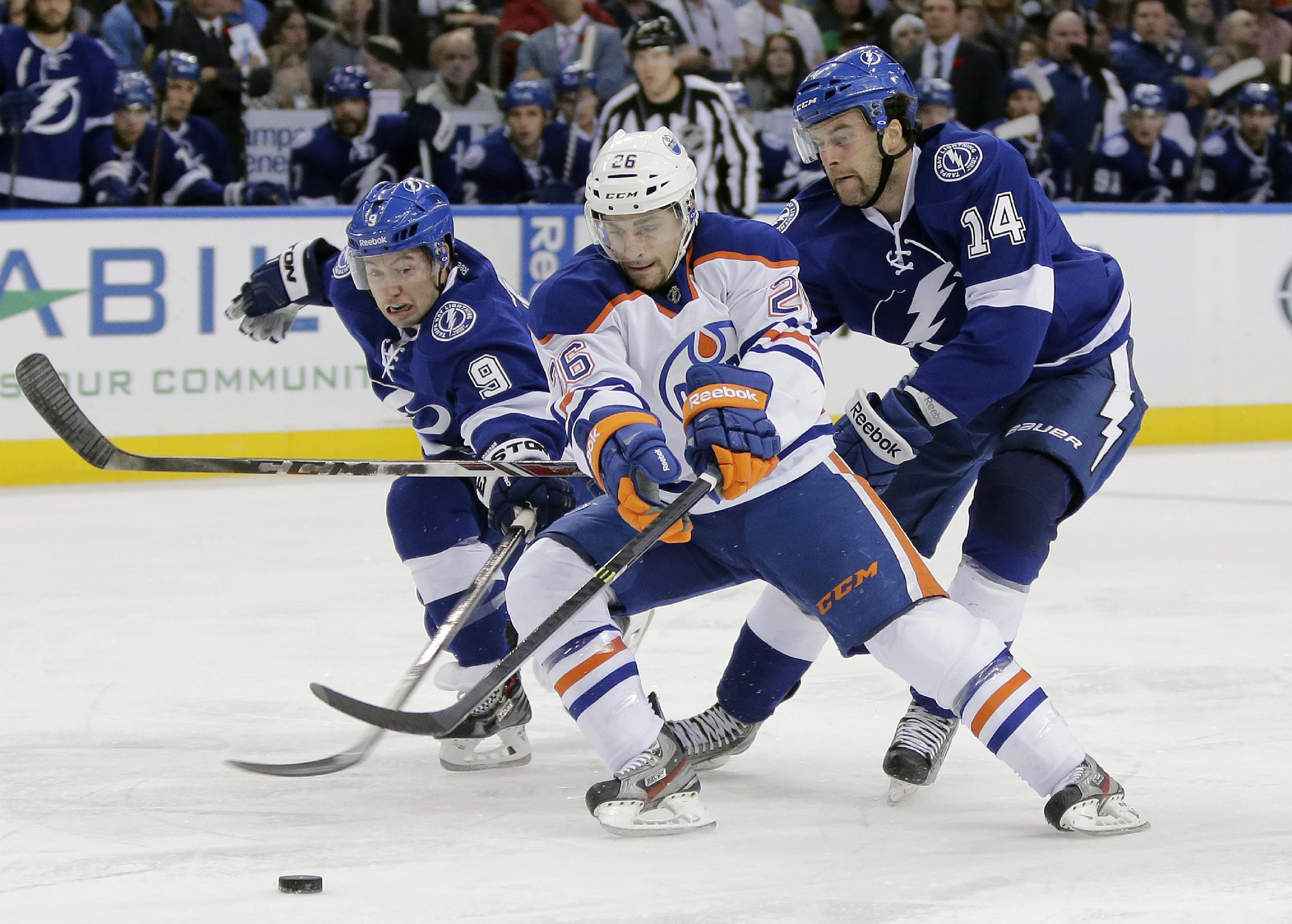Stamkos has 2 goals, Lightning beat Oilers 4-2