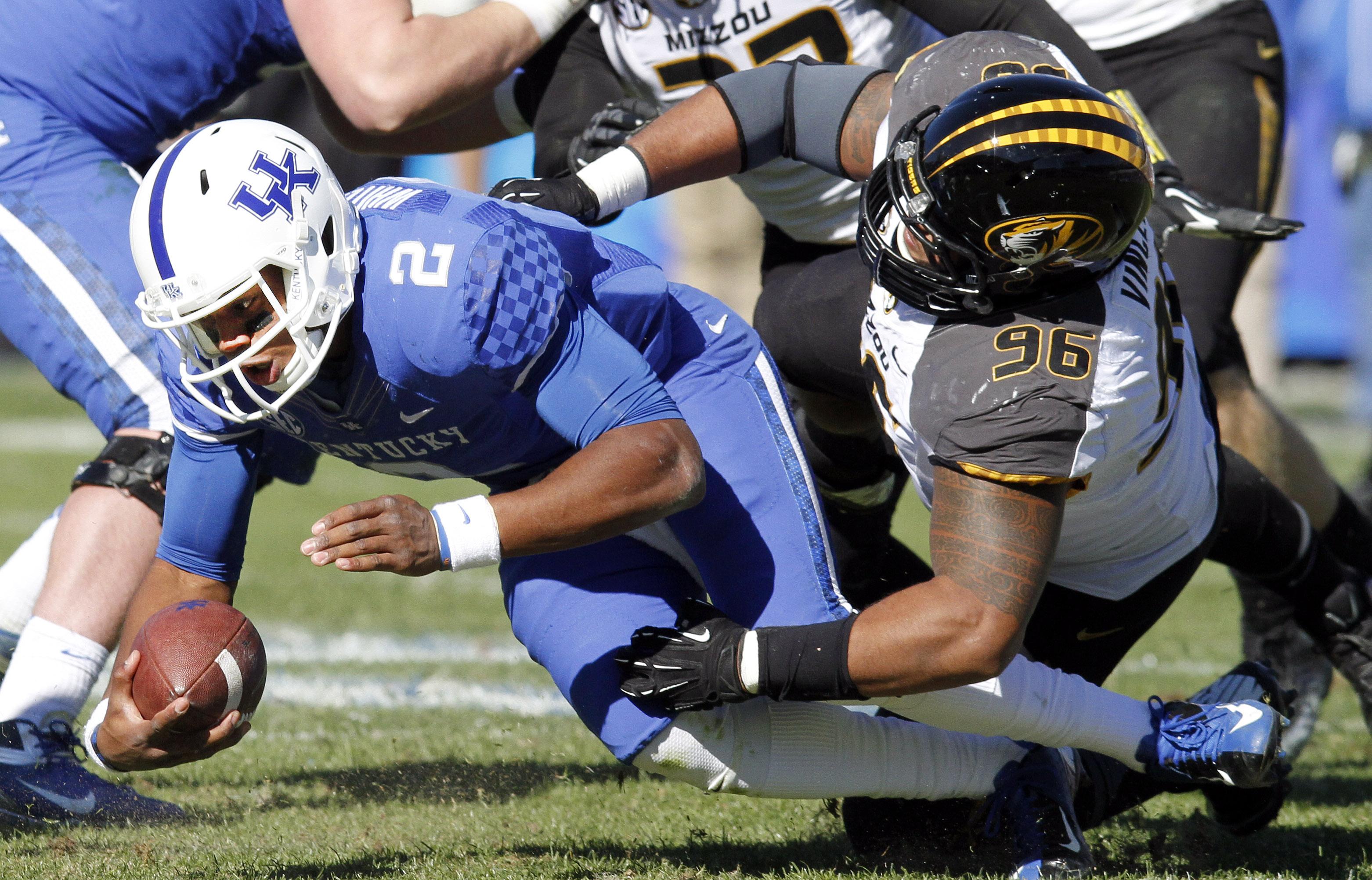 Mauk leads No. 9 Missouri past Kentucky, 48-17