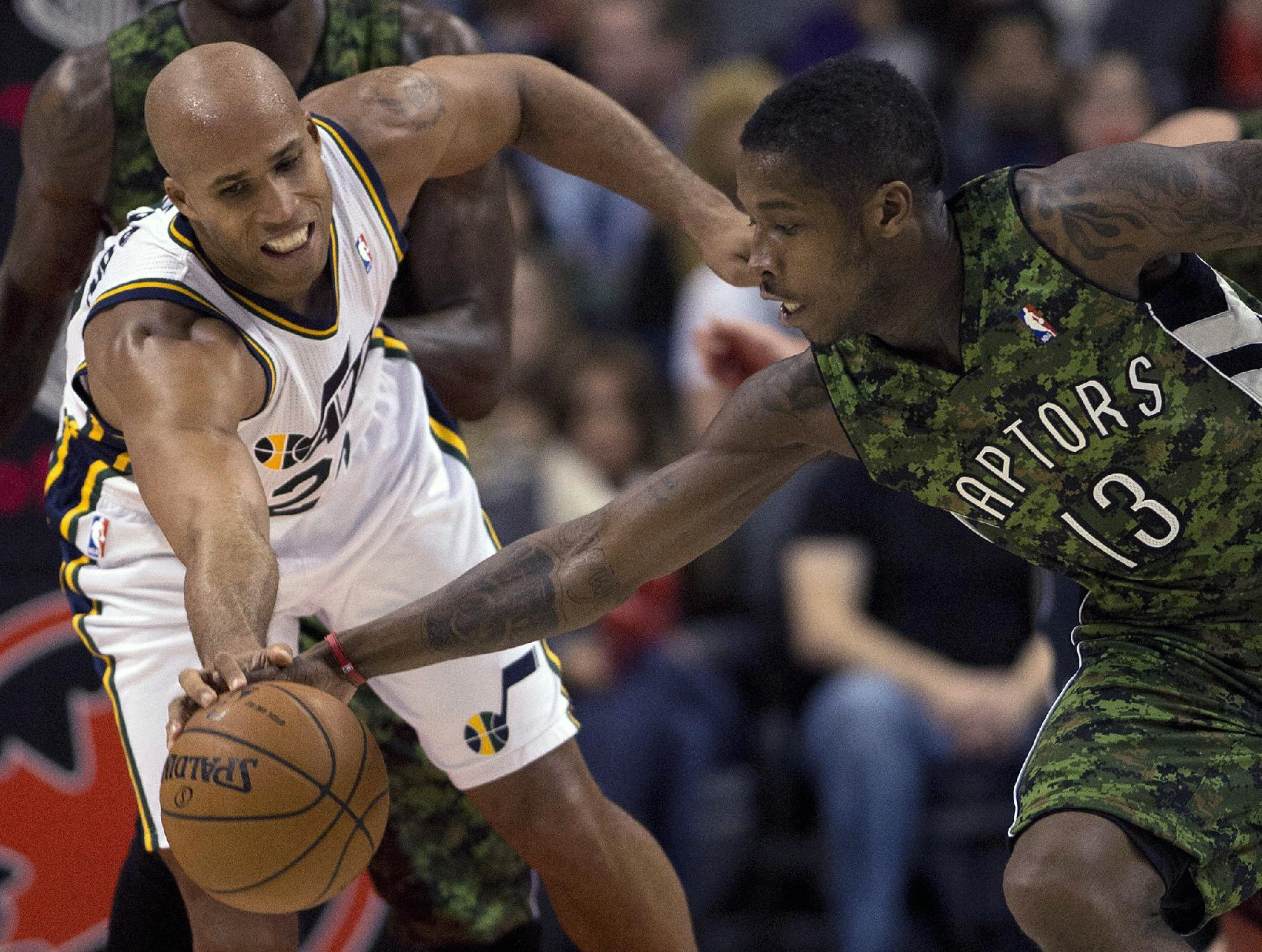 Hansbrough has 23, leads Raptors over winless Jazz