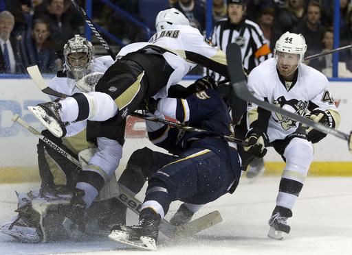 Shattenkirk's goal helps Blues beat Penguins 2-1