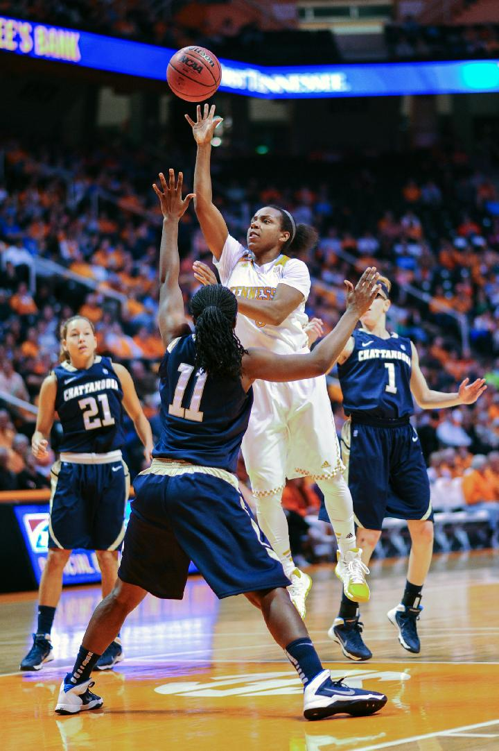 No. 4 Tennessee beats Chattanooga 80-56