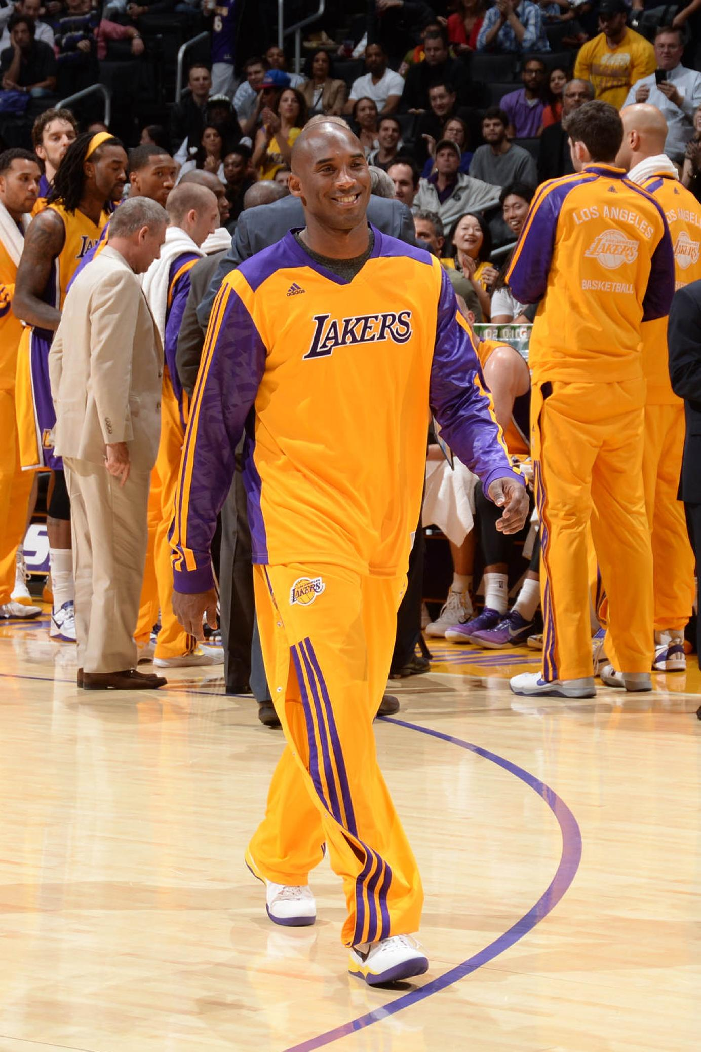 Kobe Bryant returns to practice with LA Lakers