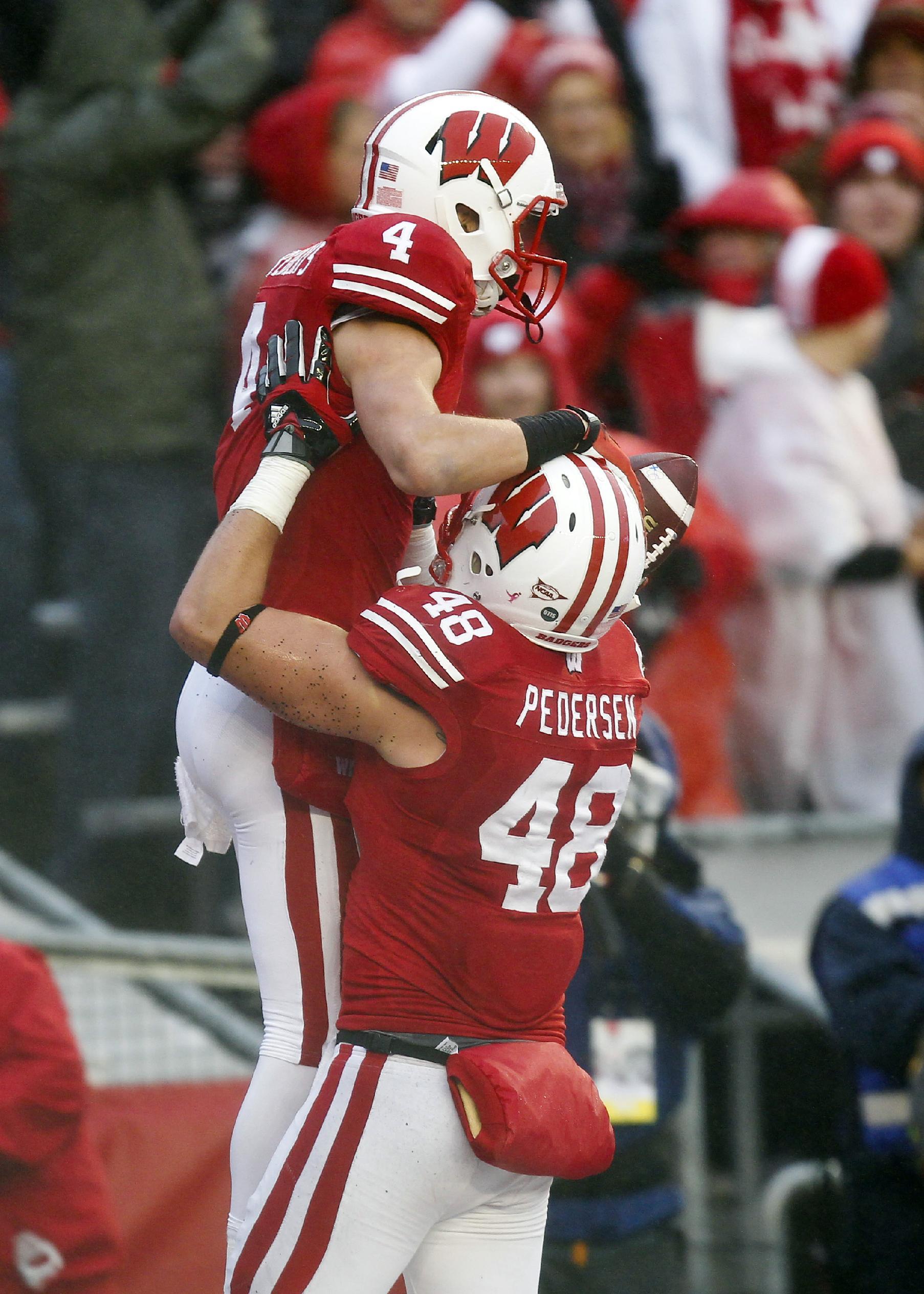 Rare hype surrounds Wisconsin-Minnesota game