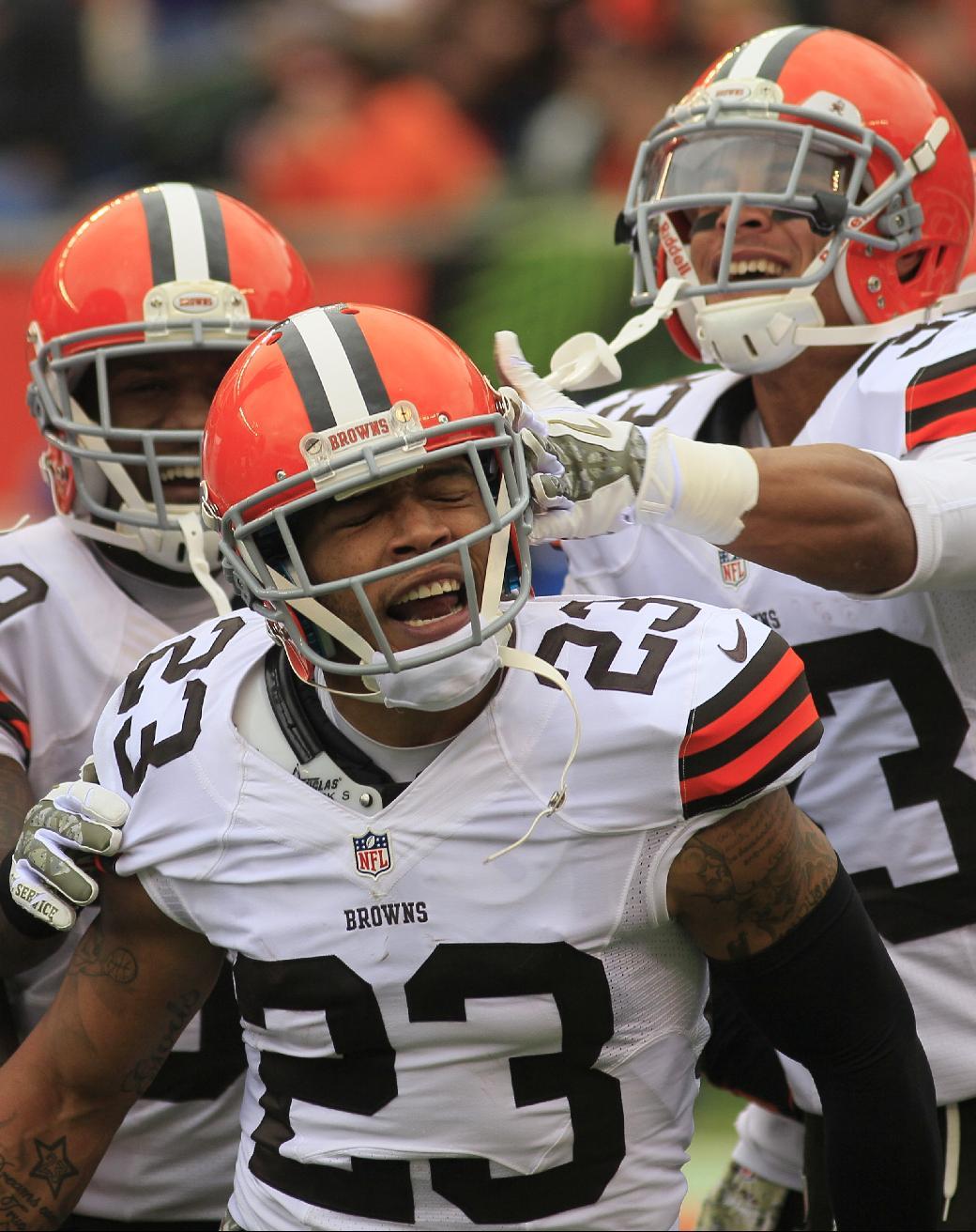Browns' Haden moves into elite cornerback class