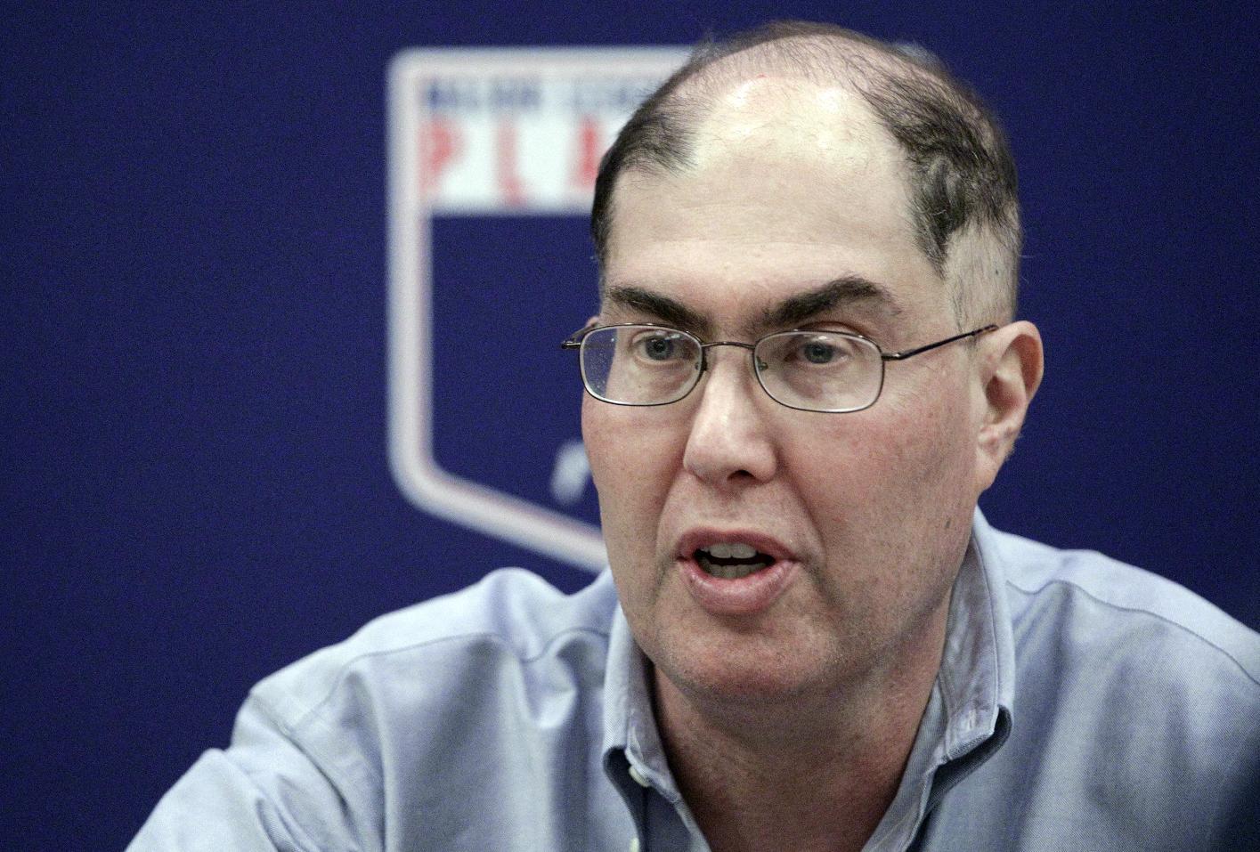 MLB players' union head Michael Weiner dies at 51