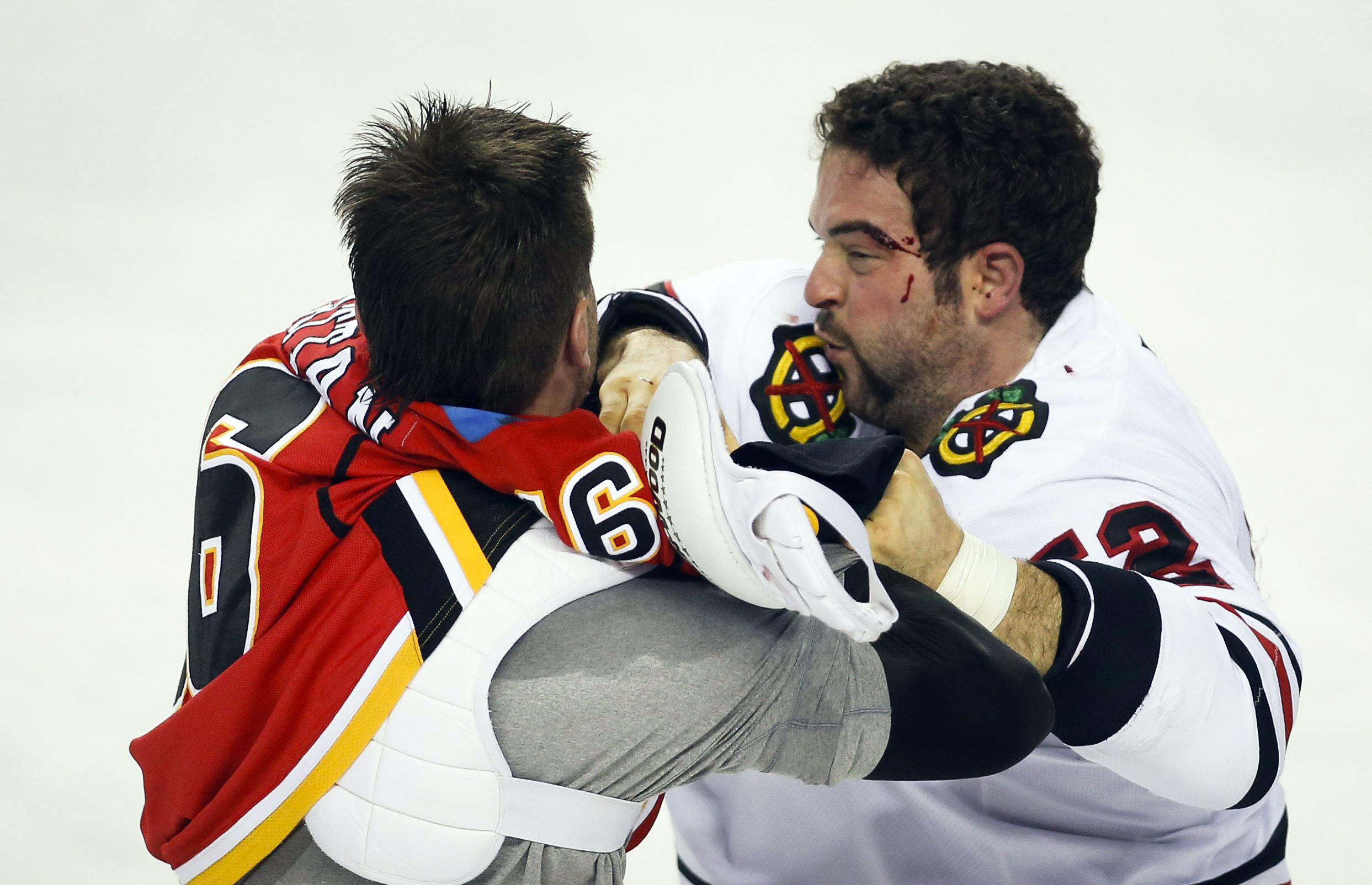 Kane gives Blackhawks 3-2 win over Flames