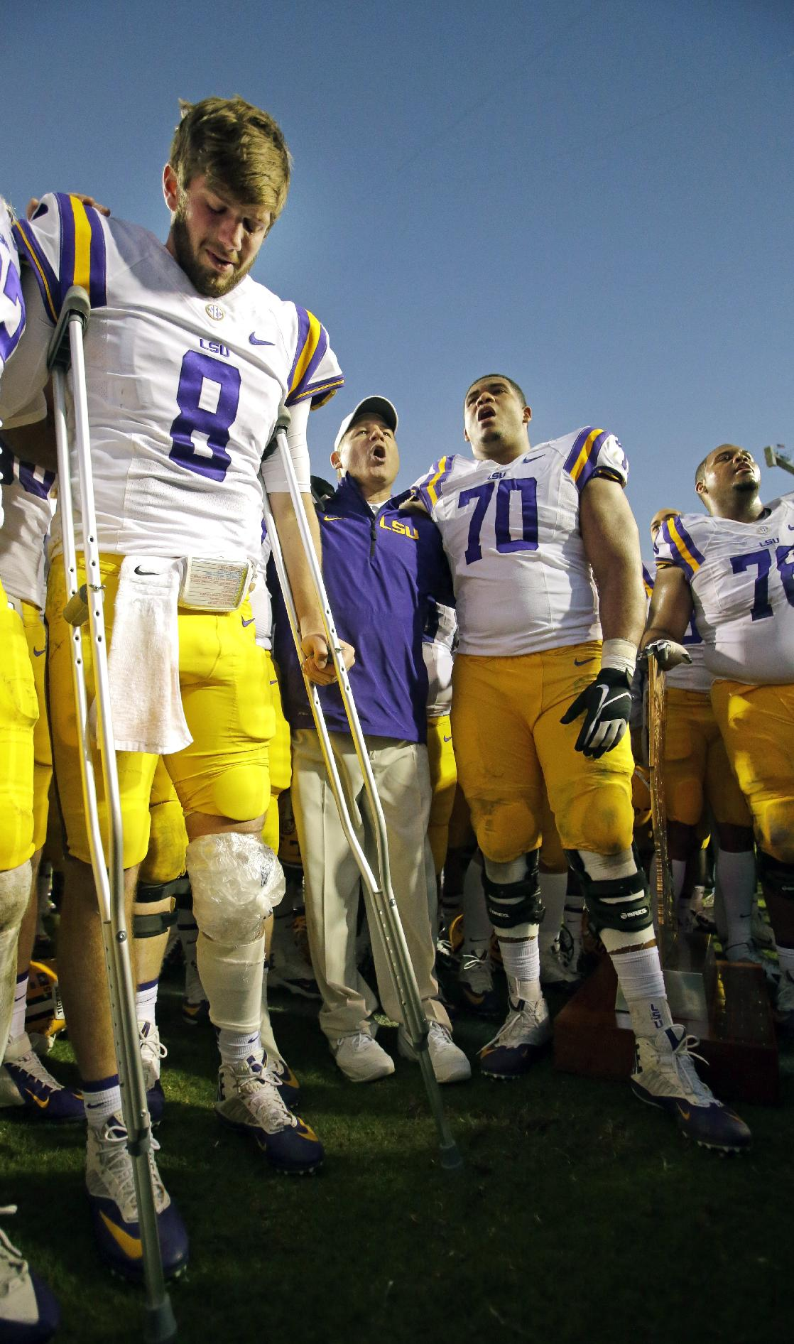 Mettenberger's LSU career ends with knee injury