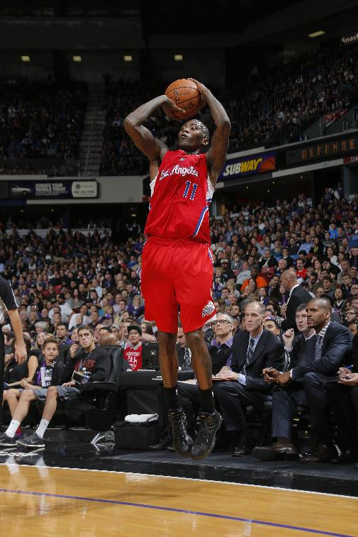Clippers beat Kings in overtime without Paul