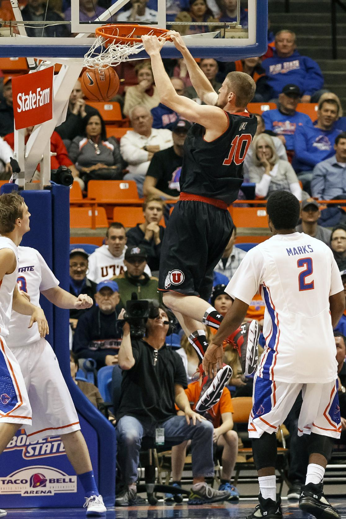 Boise State ekes out win over Utah 69-67