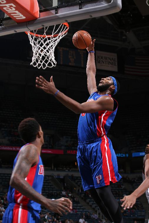 Drummond carries Pistons past Bucks 105-98