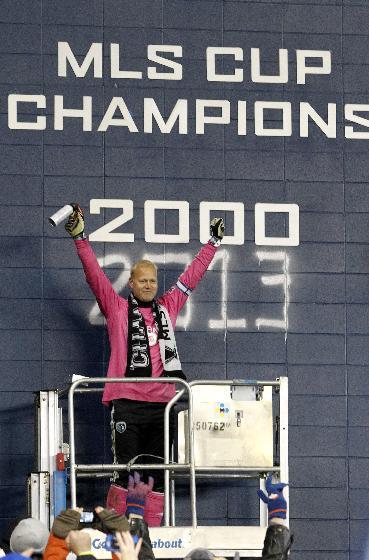 Sporting KC goalkeeper Jimmy Nielsen retires