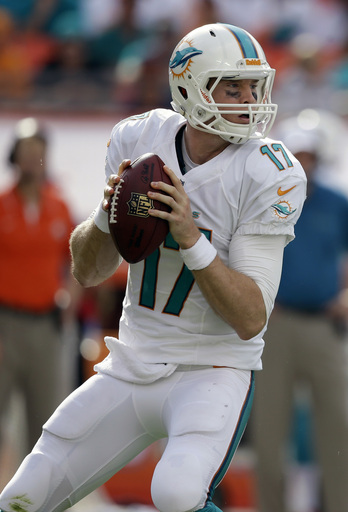 Tannehill making late-season strides for Dolphins