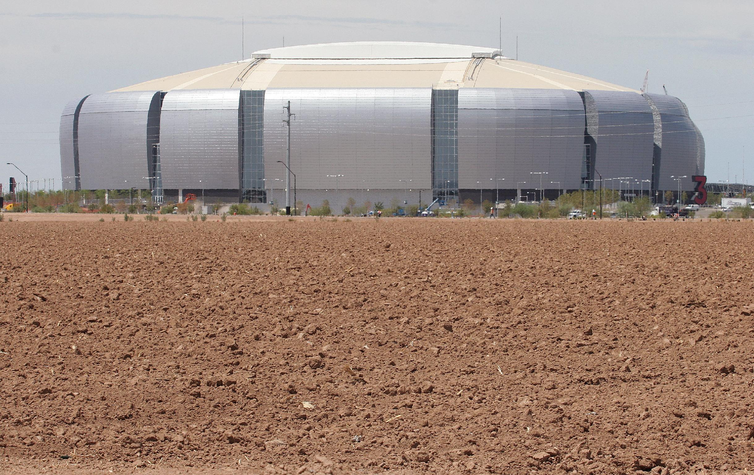Glendale, Ariz., Tampa, Fla., to host title games