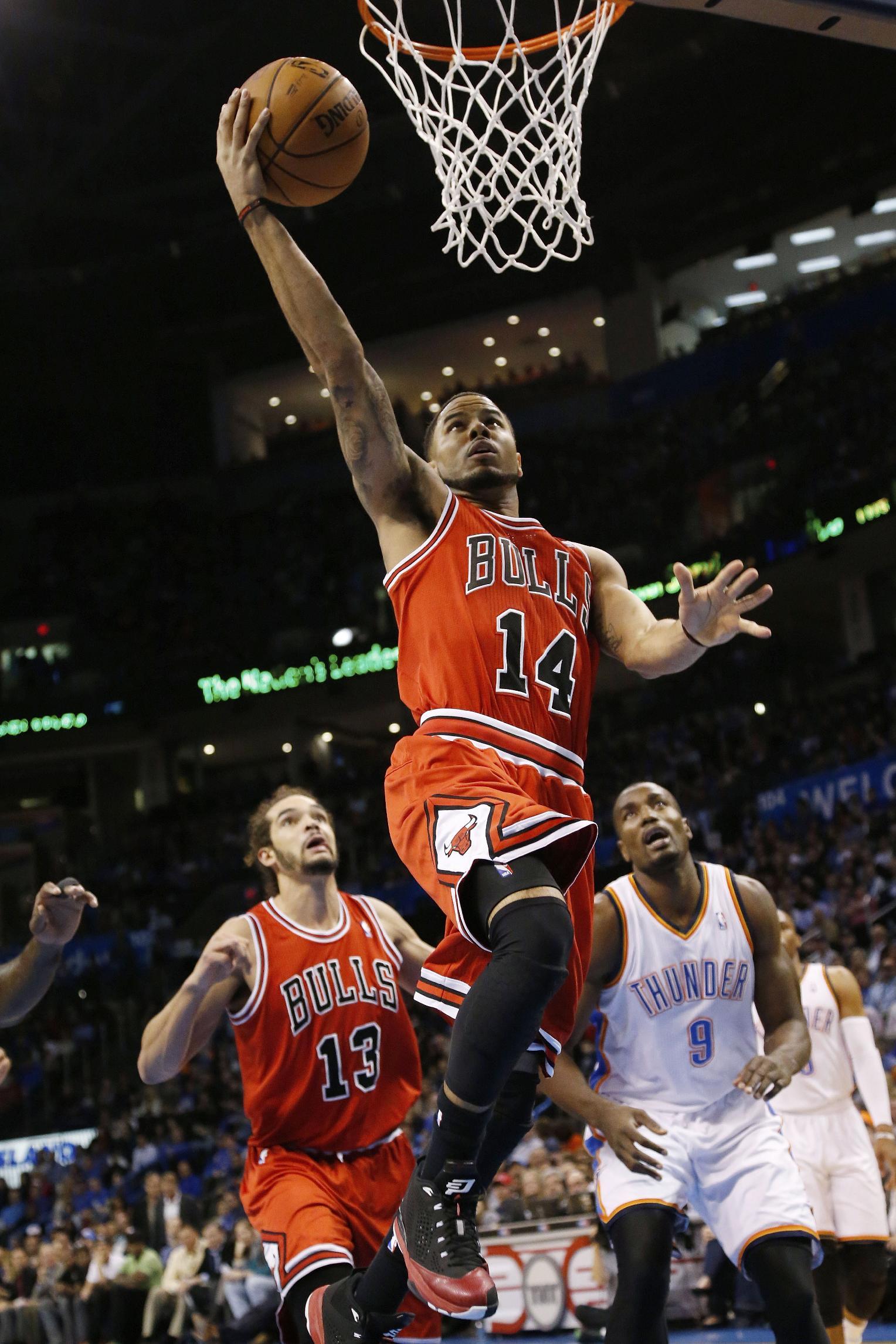 Durant leads streaking Thunder past Bulls 107-95