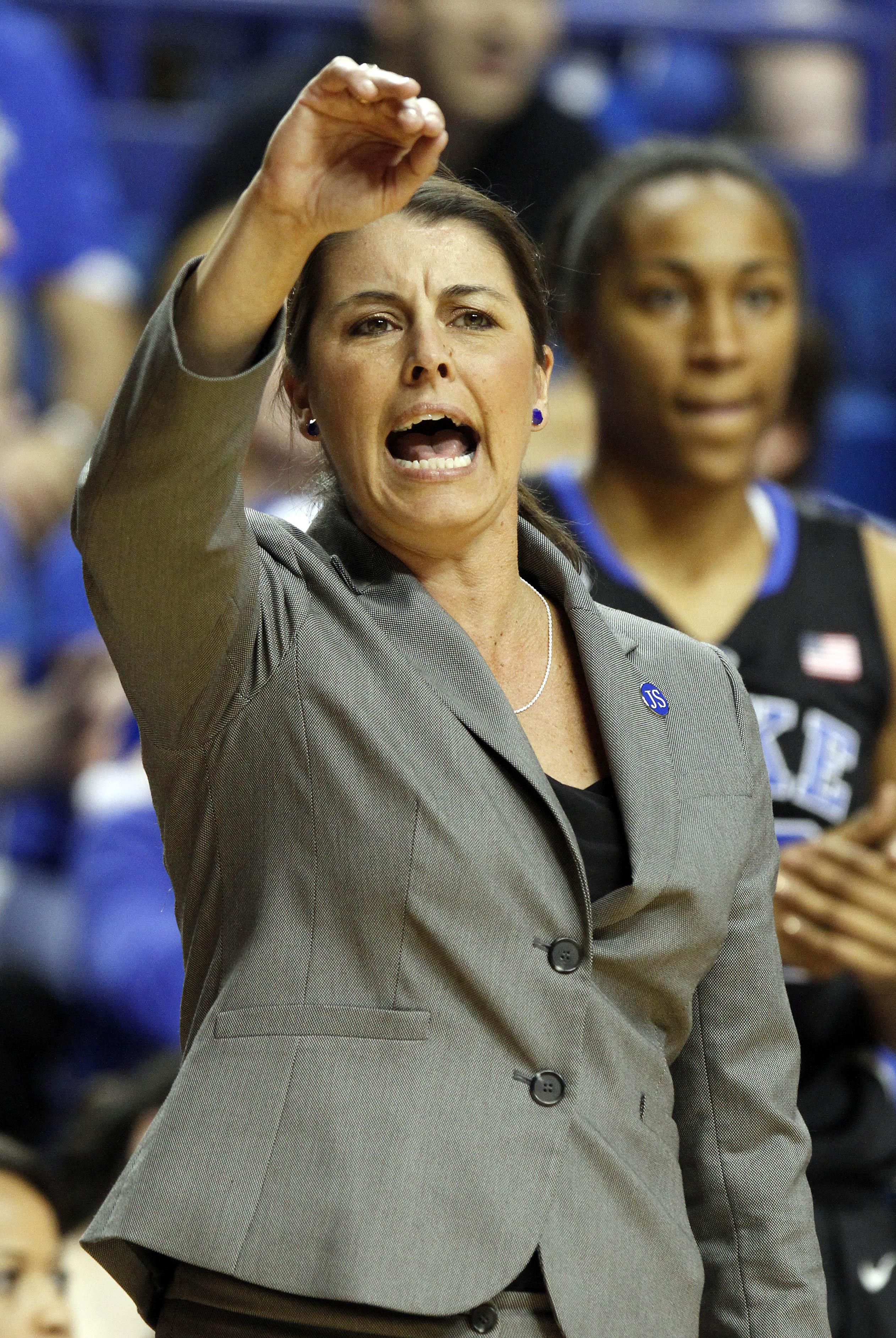 No. 2 Duke beats No. 5 Kentucky, 69-61