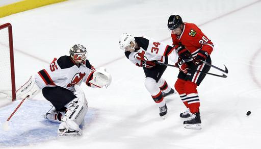 Blackhawks too much for Devils 5-2