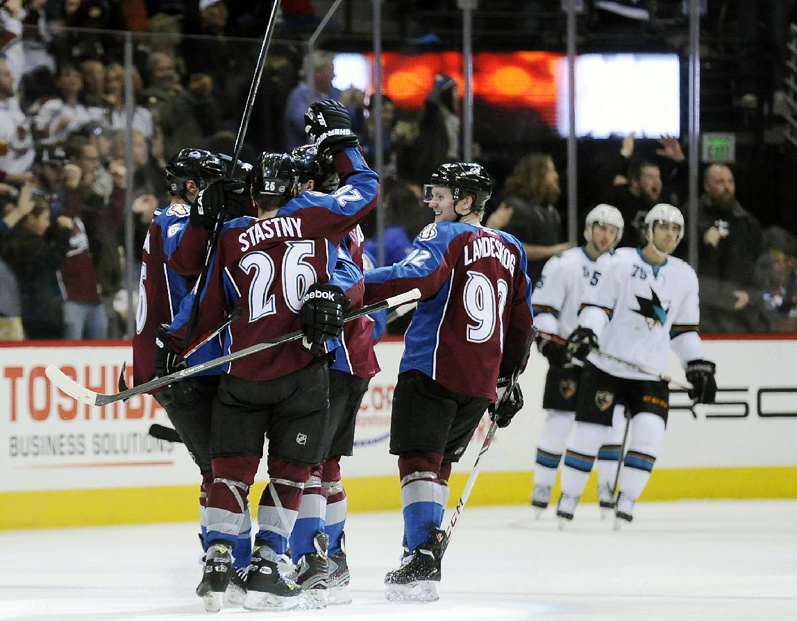 Avalanche hold off Sharks for 4-3 win