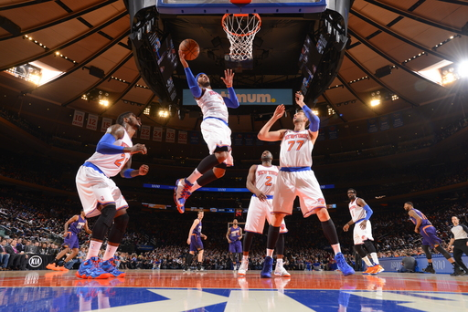 Anthony, Knicks edge Suns in OT for 5th straight