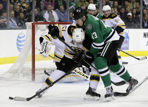 Lucic helps Bruins skate past Stars 4-2