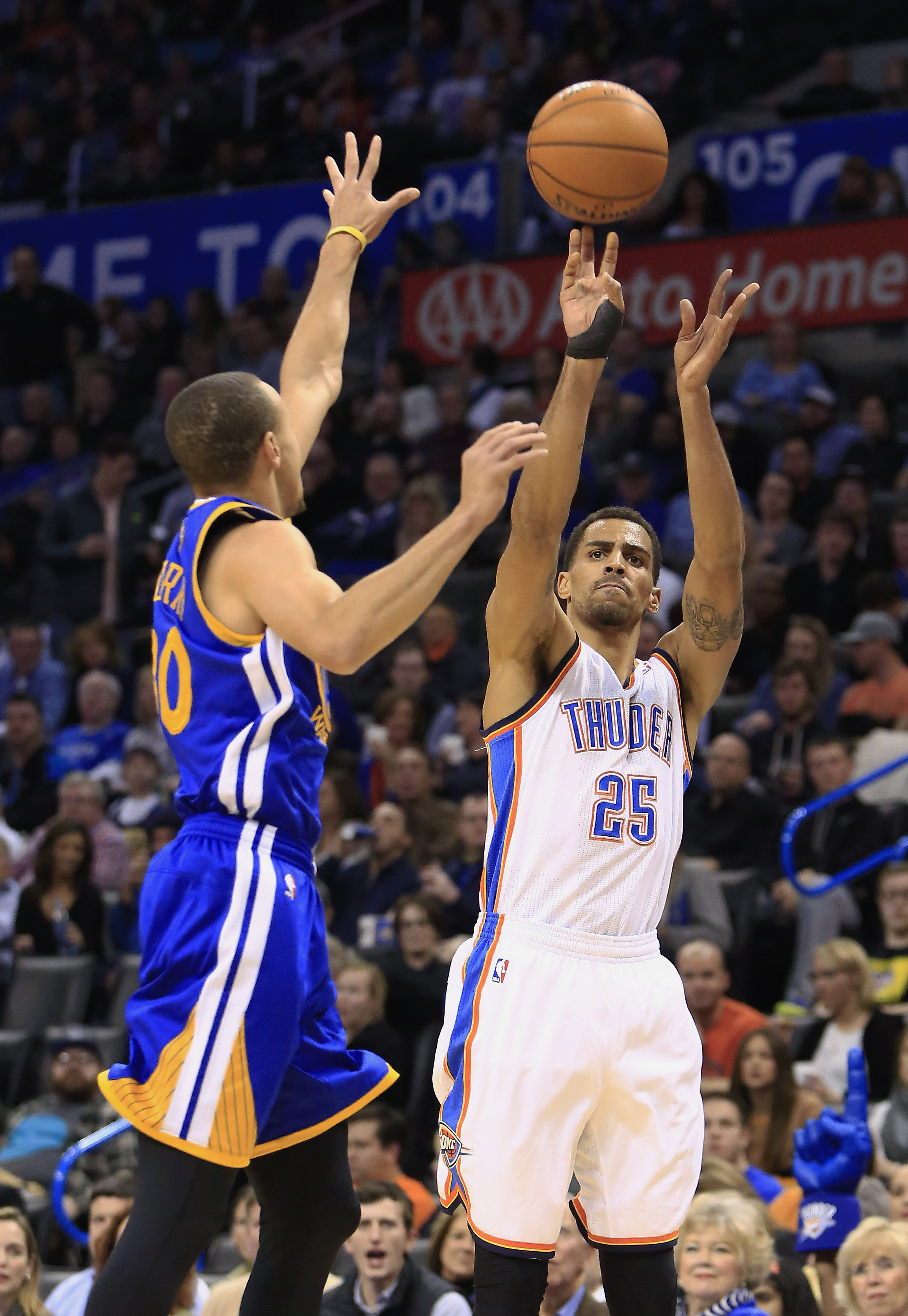 Durant scores 54, Thunder beat Warriors