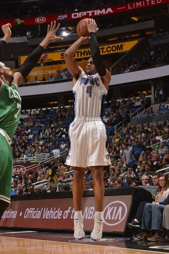 Magic down Celtics 93-91 to end 10-game skid