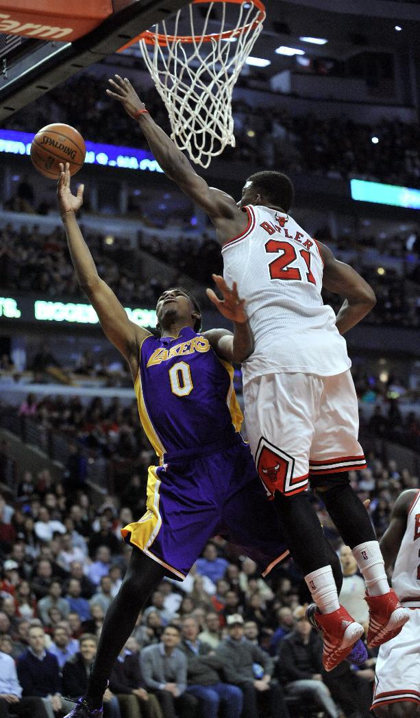 Gibson layup at OT buzzer lifts Bulls over Lakers