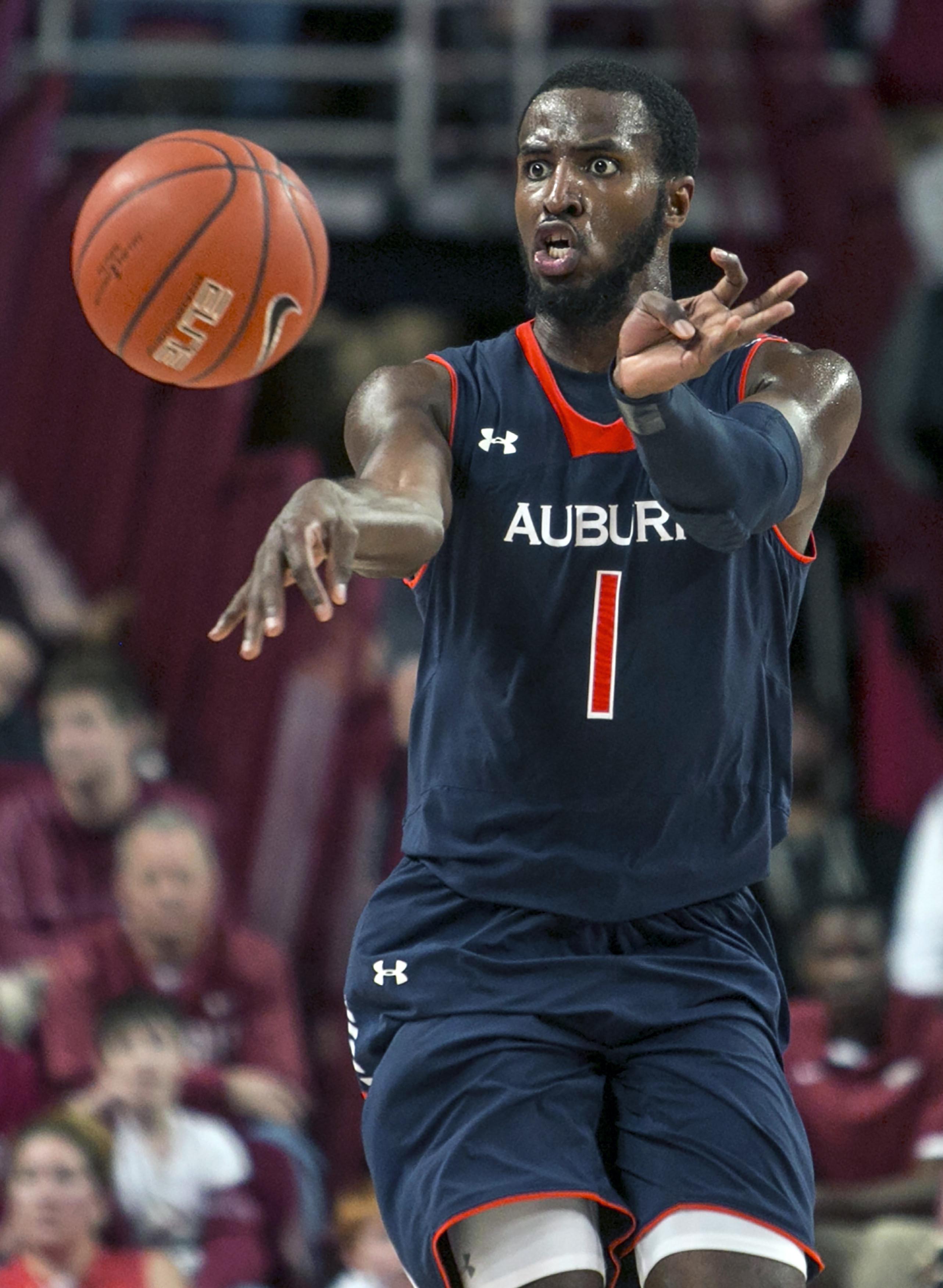 Storm postpones Pistons-Hawks, Alabama-Auburn
