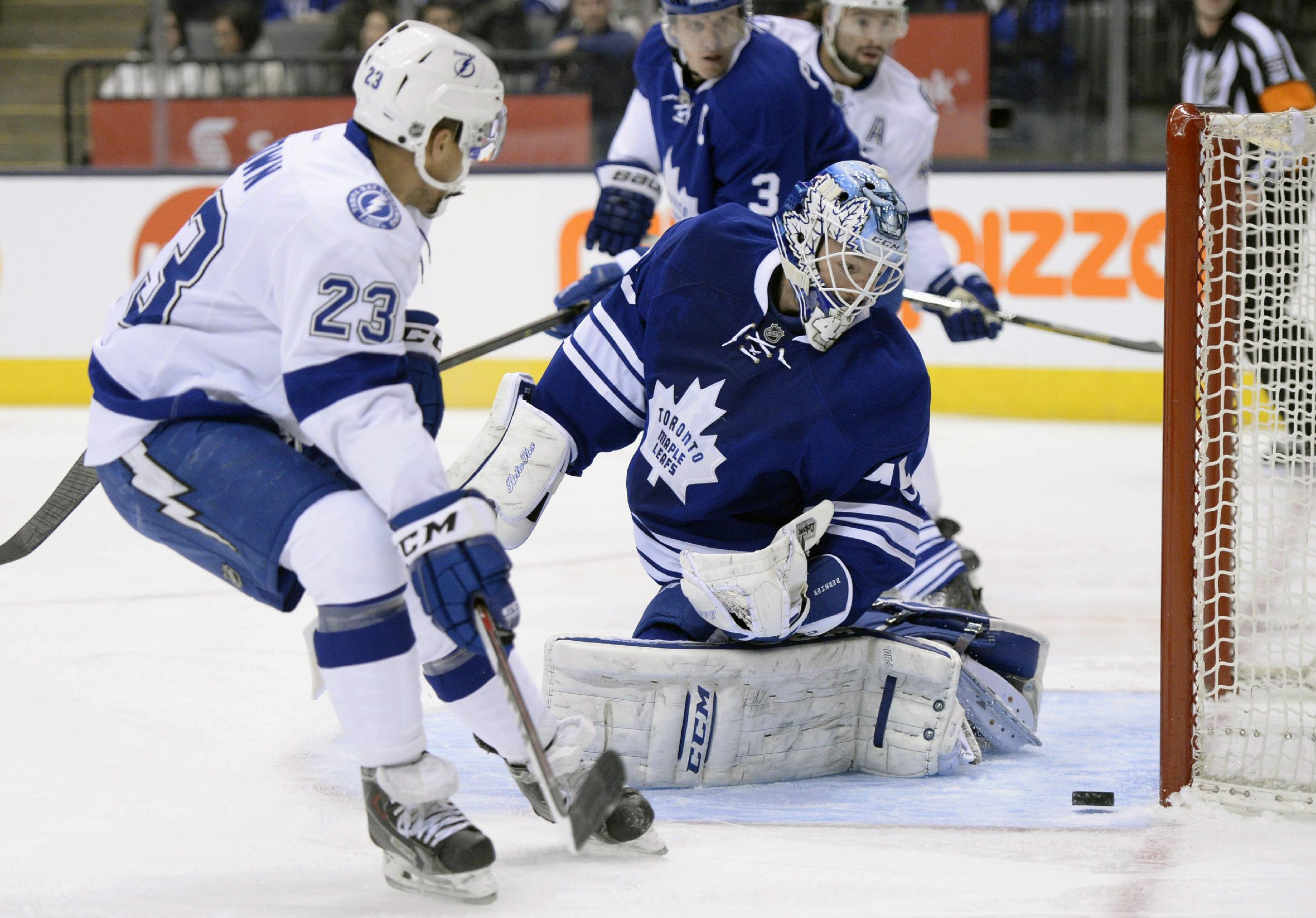 Kadri, van Riemsdyk lift Leafs over Lightning 3-2