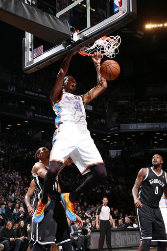 Durant's 30 streak ends in Thunder's romp