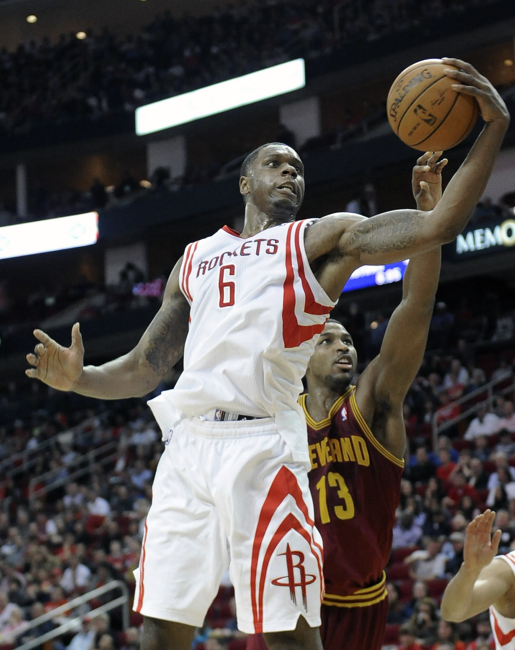 Lin has triple-double as Rockets down Cavs 106-92