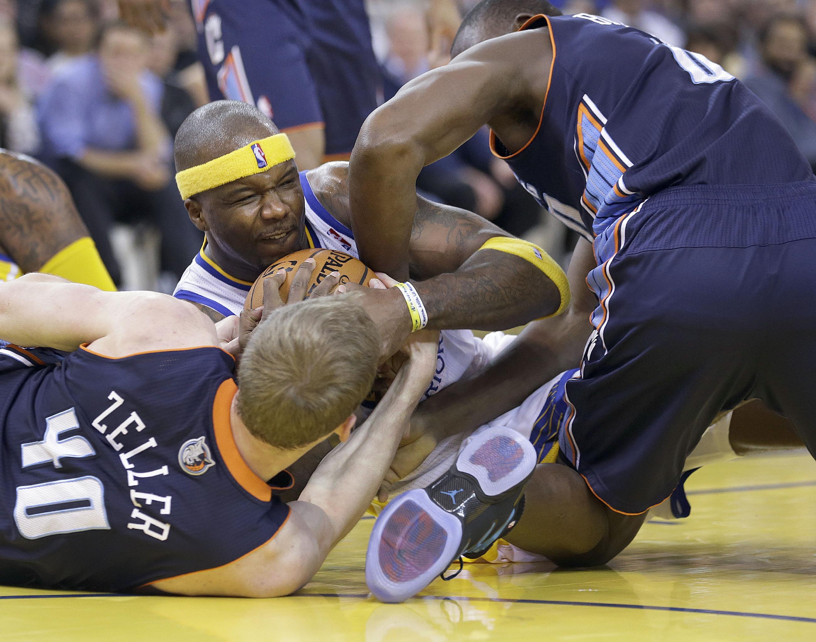 Bobcats blow out Warriors 91-75 in Walker's return