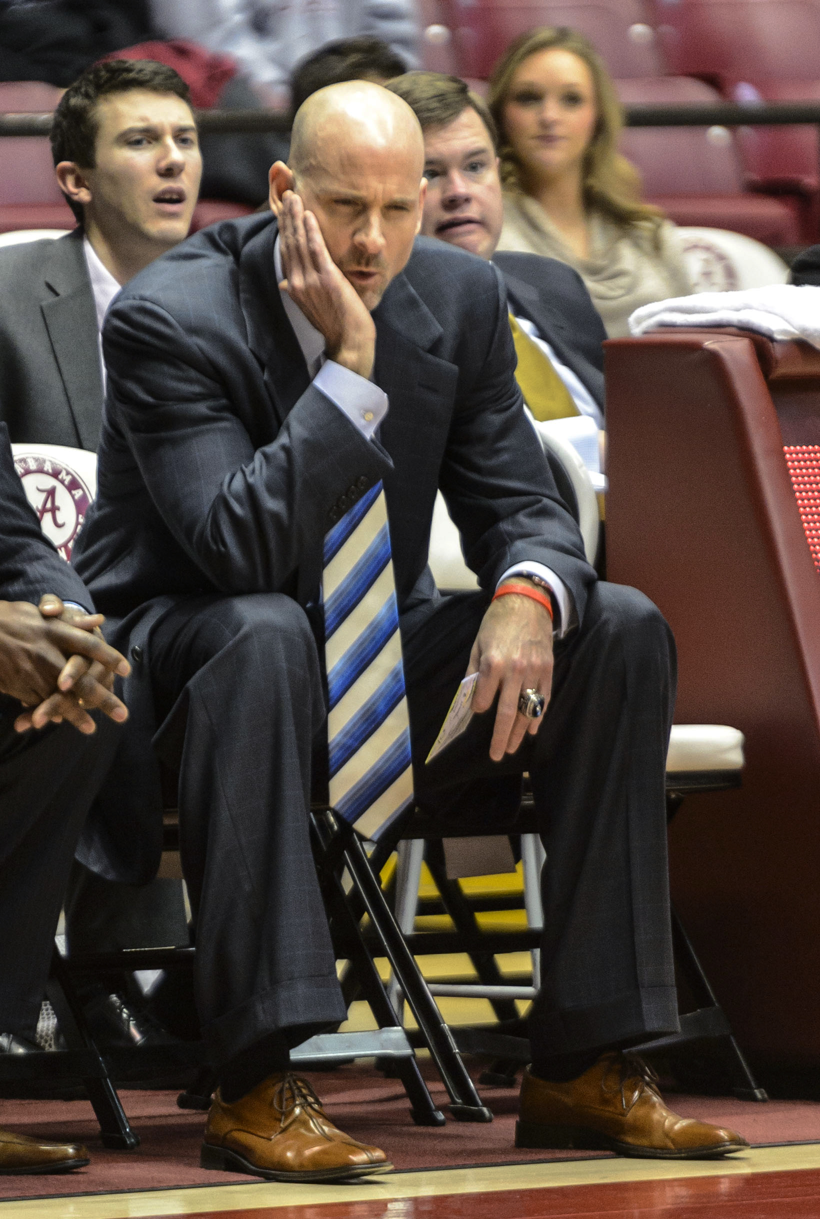 Releford's 3 lifts Alabama past Ole Miss, 67-64