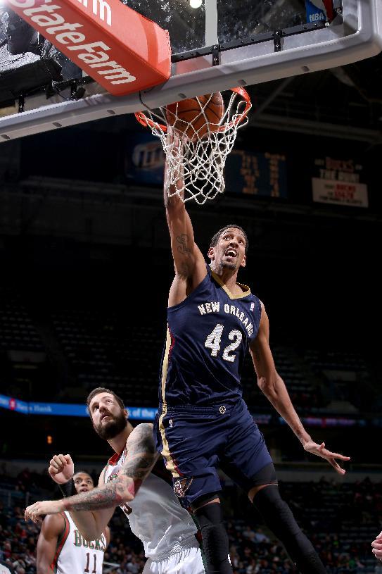 Gordon scores 21, Pelicans beat Bucks 102-98