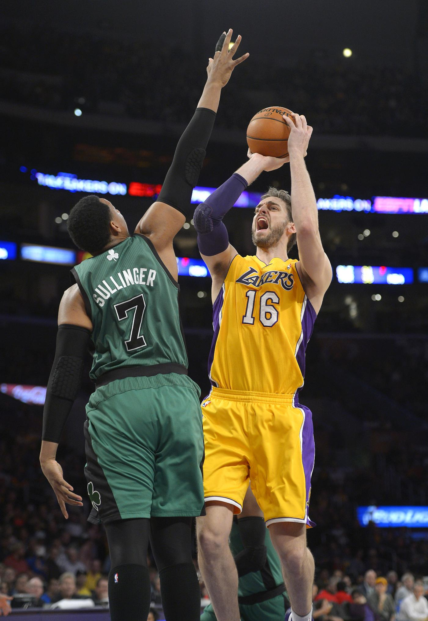 Lakers rally to beat Celtics 101-92