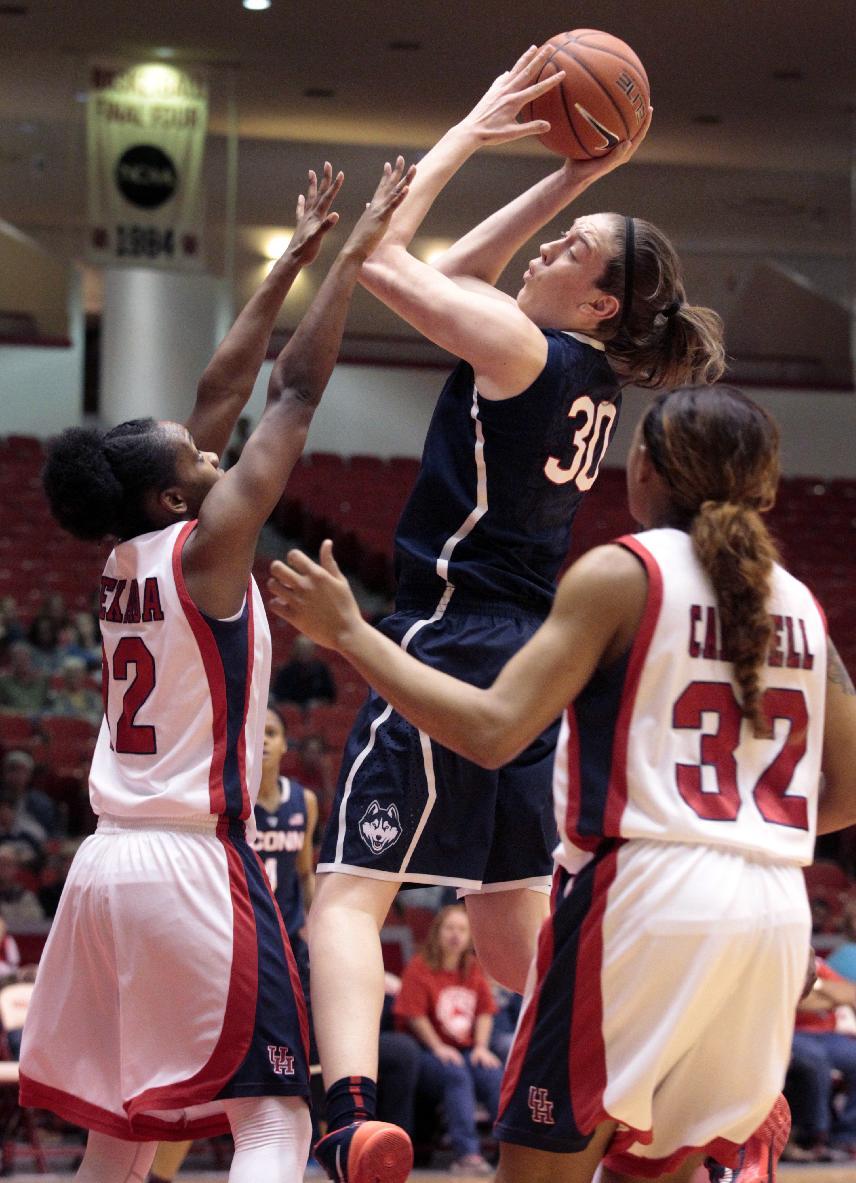 Hartley scores 24, No. 1 UConn women rout Houston