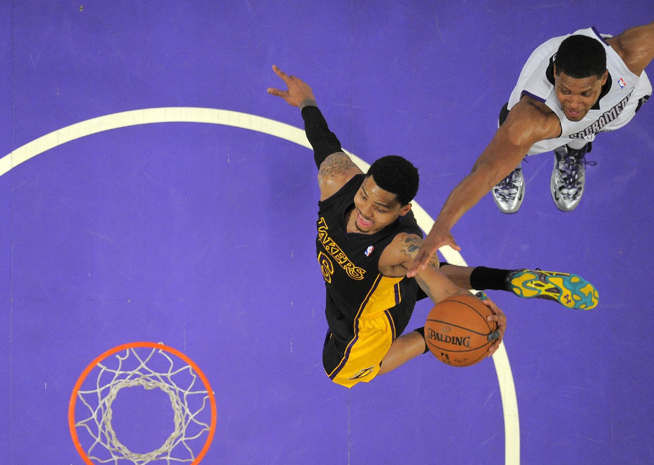 Farmar scores career-high 30 as Lakers beat Kings