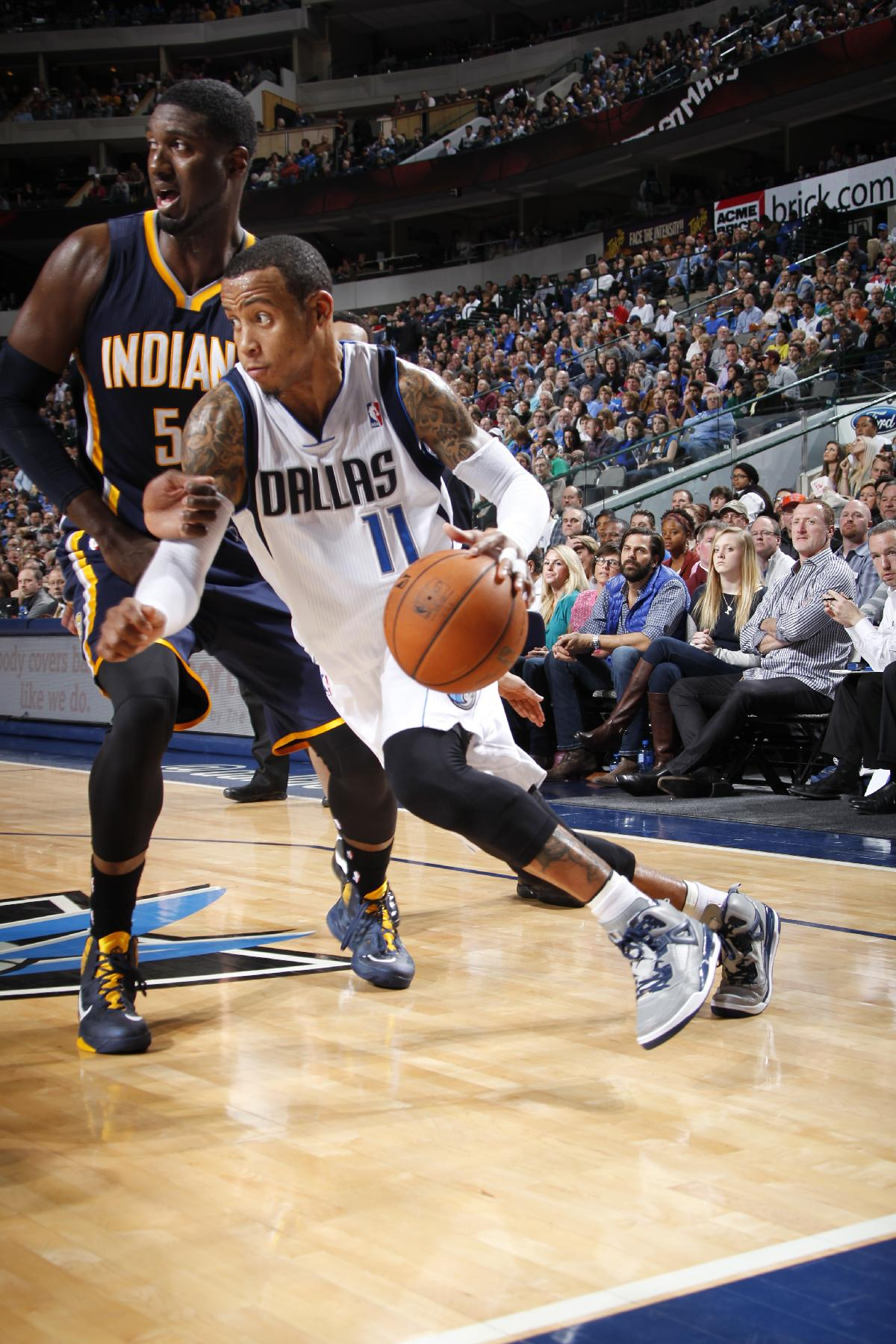 Mavs extend Pacers' skid to 4 with 105-94 win