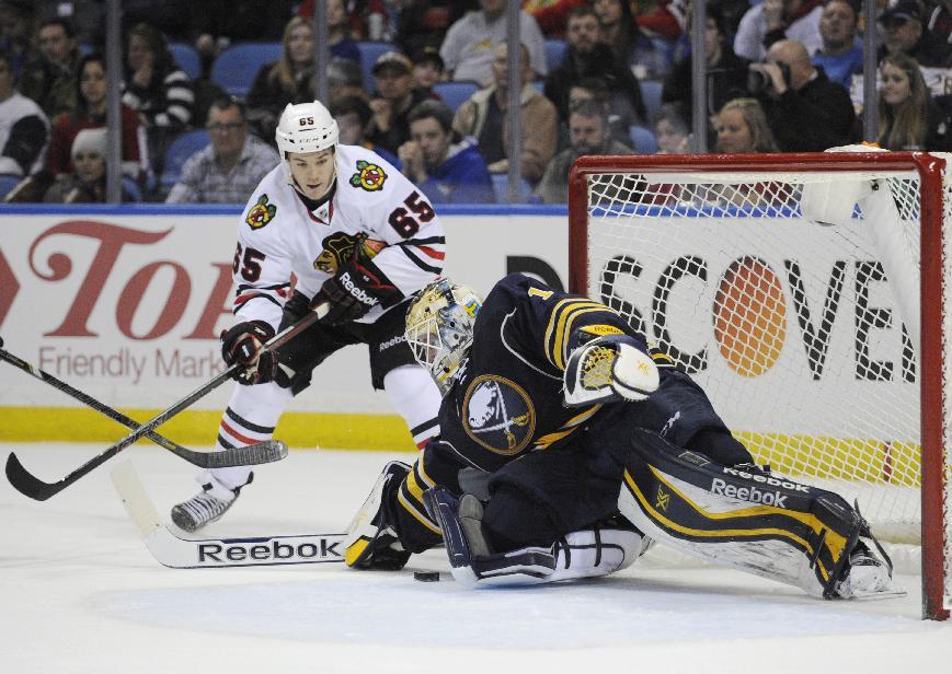 Kane, Toews lift Blackhawks to 2-1 win over Sabres