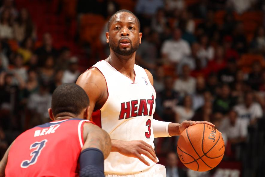 Wade carries Heat late, Miami tops Wizards 99-90